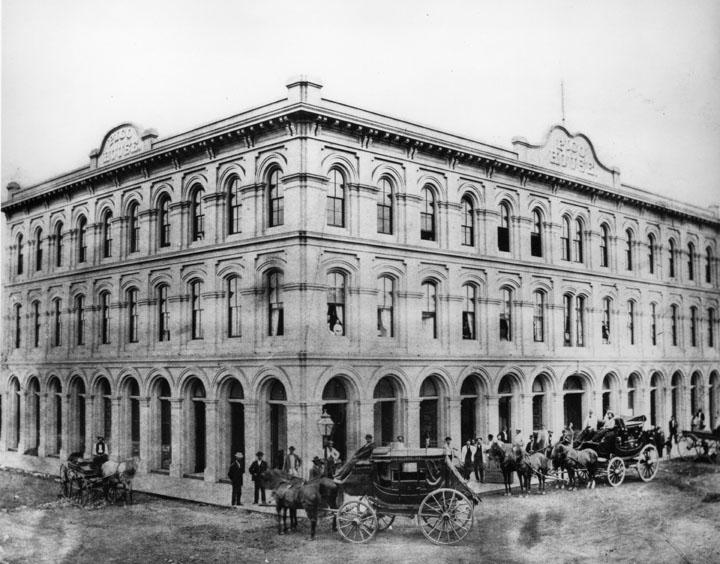 picohouse-1875